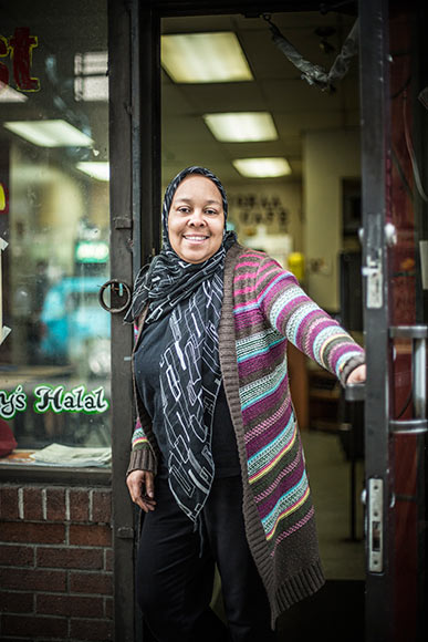 Nafisah Ali Lewis at the Iqraa Cafe